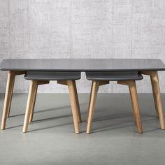 Table basse blanc ou gris laqué avec pieds en bois et 2 tables d'appoint TRIO