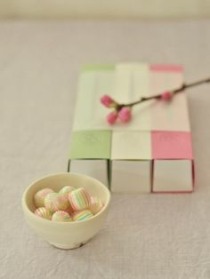 (Spring Colors Japanese Candy / 春色キャンディ) Japanese Snacks, Japanese Candy, Japanese Sweets, Japanese Food, Kawaii Dessert, Japanese Colors, Japan Design, Sweet Tea, Confectionery