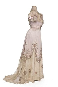 A stunning Edwardian evening gown from the House of Clergeat, c. 1900.