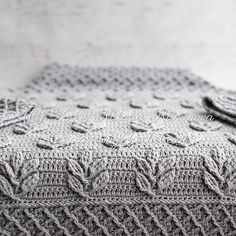 Ravelry: Tara Sweater pattern by Natalia Kononova Crochet Leaf Patterns, Crochet Leaves, Crochet Stitches, Knitting Patterns, Crochet Cable, Love Crochet, Diy Crochet, Crochet Hooks, Knot Blanket