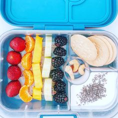 If you're trying to get your kids to eat more fresh fruit...here's a colorful idea packed in Yumbox Panino by @come2lunch ・・・ - 📆miercoles- ❤️yogurt natural con chia- 🧡galletas Dulces María- 💛fresas- 💚mandarina- 💙mango- 💜pepino- 🤎blackberry- 🖤nueces de la india- 😷🦠lockdown lunch- . . #yumbox #yumboxlunch #bento #bentolunch #cutebento #foodart #creativefood #kidslunch #lunchboxideas #healthylunch #momslife #instafood #instahealthy #funfoodforkids #funfood #funlunch #food #foodporn… Cute Bento, Natural Yogurt, Bento Box Lunch, Creative Food, Health And Nutrition, Fresh Fruit, Food Art, Good Food, Lunches