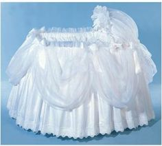 Blauen, Fine Linens for the Baby - Pouf Bassinet Ensemble Baby Girl Bassinet, Baby Crib, Baby Doll Accessories, Dream Baby, Baby Carriage, Baby Furniture, Baby Crafts, Baby Sewing, Beautiful Babies