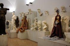 Sissi, Addosso 1995/in progress, Gipsoteca del Museo Civico Archeologico di Bologna