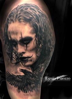 The Crow Realistic Tattoo by Rafael Fabozzo Eagle Tattoos, Color Tattoo, Crow, Tatting, Portrait, Colors, Men Portrait, Color Tattoos, Needle Tatting