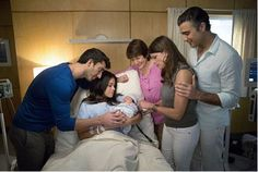 Jane The Virgin: Return of the Peabody Award-winning comedy  moved up to Monday, October 12. | The CW