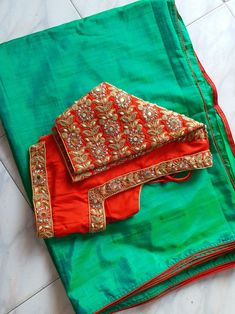 Silk Saree Blouse Designs, Bridal Blouse Designs, Blouse Neck Designs, Blouse Patterns, Hand Work Embroidery, Embroidery Blouses, Embroidery Designs, Sari Design, Saree Gown