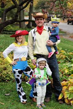 great family halloween costume toy story woody jessie buzz lightyear and alien