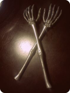 interesting back scratcher. Back Scratcher, Clever, Presents, Fun, Gifts, Favors, Gift, Hilarious