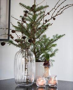 - Happy Christmas - Noel 2020 ideas-Happy New Year-Christmas Natural Christmas, Rustic Christmas, Simple Christmas, Christmas Home, Christmas Holidays, Christmas Crafts, Christmas Trees, Christmas Greenery, Christmas Design