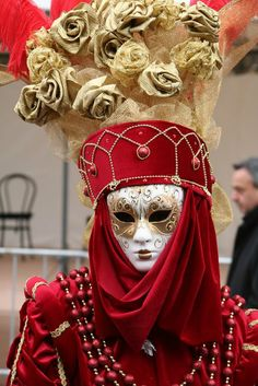 mask----<3 a Lady in Red!