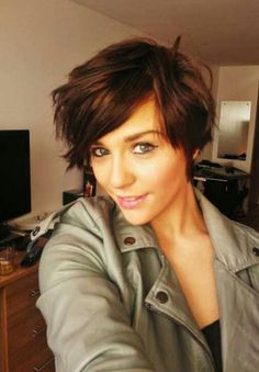 New Hair Styles for Girls: 2013 Short Haircut for women Short Choppy Haircuts, Girls Short Haircuts, Thin Hair Haircuts, Cute Hairstyles For Short Hair, Pixie Haircuts, Brunette Hairstyles, Pixie Hairstyles, Haircut Short, 2015 Hairstyles