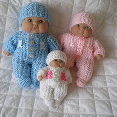 Knitting Patterns for Doll Knitting Dolls Clothes, Crochet Doll Clothes, Knitted Dolls, Doll Clothes Patterns, Doll Patterns, Baby Boy Knitting Patterns, Baby Hats Knitting, Bitty Baby Clothes, Knitted Teddy Bear