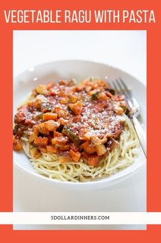 Quick and Easy Recipe for Vegetable Ragu with Pasta is an easy and healthy weeknight dish that the whole family will love! Best Pasta Recipes, Healthy Recipes, Side Salad, How To Cook Pasta, Quick Easy Meals, Vegetable Recipes, Favorite Recipes, Stuffed Peppers