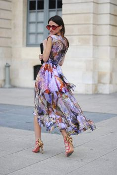 Floral printed chiffon dress and leopard heels. #streetstyle #fashion #inspiration