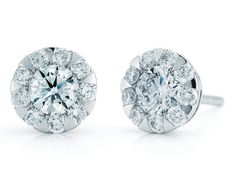 Check out these stunning Kwiat Classic silhouette stud earrings featuring round brilliant diamonds!!