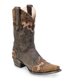 I really like the distressed look and leather colors used on this boot