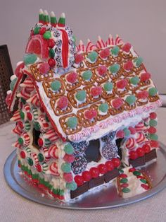 Definitely would be a fun party to have! Red Door Home: Gingerbread House Decorating Party