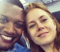 Before her plane from Detroit took off, the Oscar-nominated actress, who was booked for a first-class seat, noticed a man in uniform at the gate. She then privately asked to switch seats with the soldier, who had been ticketed for coach.www.truecelebtiry.com
