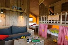 Glamping Farmcamps Five Star - aan zee Glamping, Travel With Kids, Bunk Beds, Room Inspiration, Holland, Bungalow, Tent, Toddler Bed, Cabin