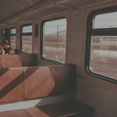 aesthetic photo inside of a train Brown Aesthetic, Aesthetic Colors, Aesthetic Vintage, Aesthetic Pictures, Aesthetic Anime, Nature Aesthetic, Aesthetic Backgrounds, Aesthetic Wallpapers, Urbane Fotografie