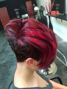 Love this cut...and color... I wonder if I can pull it off!