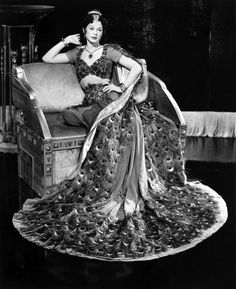 Hedy Lamarr in an Edith Head dress for Samson and Delilah. 1949 - the peacock feather cape
