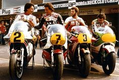 Marco Lucchinelli (I), Barry Sheene (GB), Randy Mamola (USA) and Kork Ballington… Flat Track Motorcycle, Motorcycle Racers, Retro Motorcycle, Suzuki Motorcycle, Old School Motorcycles, Racing Motorcycles, Vintage Motorcycles, Vintage Bikes, Valentino Rossi