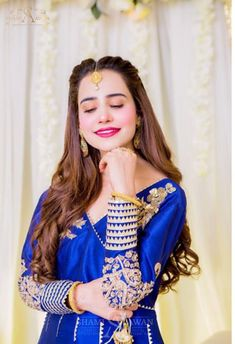 #smile_dp Latest Dpz, Pakistani Bridal, Hijab Fashion, Sari, Wonder Woman, Superhero, Blouse, Tops, Women