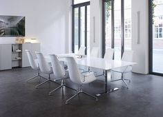 Walter Knoll | Exec V Conference Table and FK Bucket Chairs