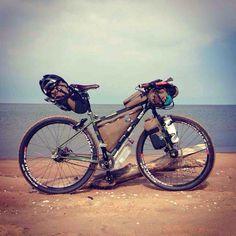 Inspiring bikepacking set up