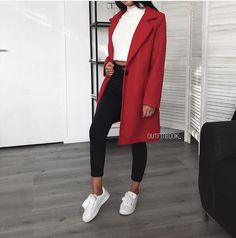 The perfect red coat 🌹 Manteau ref 8065 Cute Winter Outfits, Casual Summer Outfits, Spring Outfits, Trendy Outfits, Classy Outfits, Chic Outfits, Beautiful Outfits, Red Coat Outfit, Fashion Mode