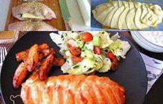 Chutné hlavní jídlo. Plněná kuřecí prsa se sýrem, špenátem, zabalená v listovém…