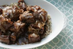 Southern Smothered Oxtails Southern Smothered Oxtails & I Heart Recipes The post Southern Smothered Oxtails & Grannies cookbook appeared first on Oxtail recipes . Oxtail Recipes Crockpot, Slow Cooker Recipes, Beef Recipes, Cooking Recipes, Crockpot Ideas, Curry Recipes, Cooking Oxtails, Pork Chops And Gravy, Kitchens