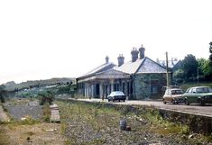 Wadebridge Station looking south in 1982 North Cornwall, Devon And Cornwall, Cornwall England, Football Poses, Engine House, Disused Stations, Old Train Station, British Rail, Industrial Revolution