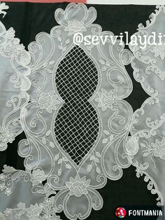 Romanian Lace, Curtain Designs, Bargello, Machine Embroidery, Macrame, Diy And Crafts, Decorative Plates, Projects To Try, Model