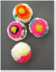 Flower pompoms for everyone! How to make flower pompoms with a DIY pompom maker Pom Pom Crafts, Flower Crafts, Diy Flowers, Yarn Crafts, Pom Pom Flowers, Kids Crafts, Diy And Crafts, Arts And Crafts, Machine A Pompon