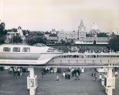 Mind Blowing Facts, Disney Parks, Mind Blown, Disneyland, History, Trains, Image, Historia, Disney Resorts