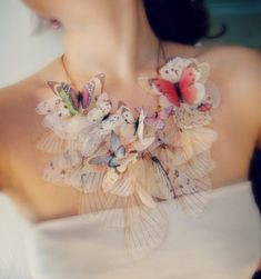 Light Dreamy Butterfly Jewelry by Derya Aksoy Derya Aksoy is jewelry artist from Istanbul (Turkey). She makes really unique and magically amazing jewelry. Its looks like real butterflies but in truth this is just a colored organza fabric. Butterfly Jewelry, Butterfly Necklace, Butterfly Wings, Butterfly Fashion, Jewelry Accessories, Jewelry Design, Funky Jewelry, Dainty Jewelry, Women's Jewelry
