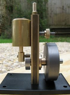 A Simple Oscillating Engine
