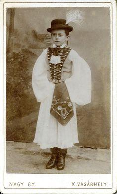 https://flic.kr/p/p1D5Nd | 1880s. Portrait of a young székely (Sekler) boy | About the Székelys (Seklers), a subgroup of Hungarians:  CDV, around late 1880s-1890 Photographer: Nagy György Kézdivásárhely, Transylvania/Hungary (now Târgu Secuiesc, Romania)