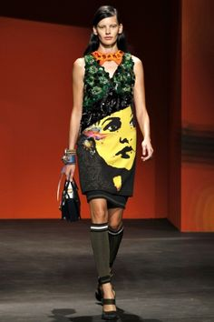Sfilata Prada Milano - Collezioni Primavera Estate 2014 - Vogue