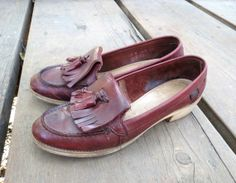 Burgundy Loafer Flats Size 6 Maroon Tassel Fringe Moccasin Stacked Wood Heels Oxblood 70s Leather Shoes Boho Hippie Indie 1970s Brogues