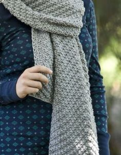 Point the Way Scarf - Knitting Patterns by Trina Brielle