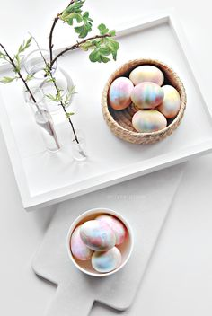 So clever: Easter eggs decorating DIY using whipped cream for a dreamy tie-dye effect.