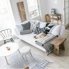 38 Scandinavian Living Room Design for Best Home Decoration. Exotic Living Room Design is distinguished by a high number of lamps situated throughout the home's use. Home Living Room, Living Room Designs, Living Room Decor, Living Spaces, Scandi Living Room, City Living, Living Room Inspiration, Home Decor Inspiration, Decor Ideas