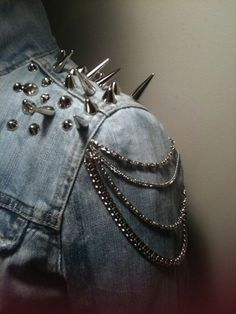 beautiful detail. #fashion #style