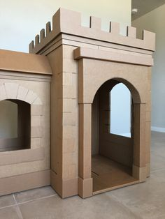 Brandon Tran — A Kid's Dream Cardboard Castle Made Out of Boxes. Cardboard Box Castle, Cardboard Houses For Kids, Diy Cardboard Furniture, Cardboard Box Crafts, Cardboard Playhouse, Cardboard Tubes, Plywood Furniture, Playhouse Bed, Forts En Carton