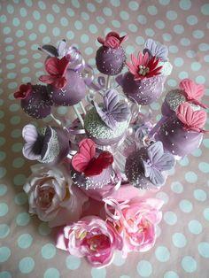 pretty butterflies, by LoveLane Cupcakes