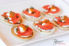 Looking for a tasty appetizer that will impress your dinner guests? This is the one! A classic combination of smoked salmon and caviar, topped with capers and dill!