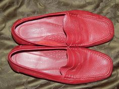 e27d0db83 ROCKPORT RED PEBBLE LEATHER PENNY LOAFERS - LADIES SIZE 9W - PREOWNED EXC.  COND